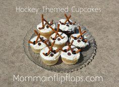 Hockey Cupcakes | mommainflipflops.com