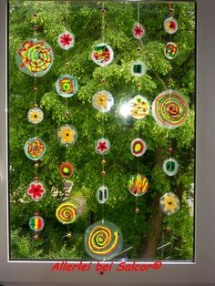 Window decoration made of plastic packaging painted with Window Color - DIY Crafts for Kids Kindergarten Design, Make Do And Mend, School Decorations, Window Art, Boho Diy, Diy Crafts For Kids, Garland, Christmas Ornaments, Holiday Decor