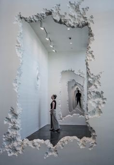 """Artist Daniel Arsham has carved a 300 feet path through the SCAD Museum of Art's Pamela Elaine Poetter Gallery as part of his latest exhibition,""""The Future Was Then. Instalation Art, Wall Installation, Artistic Installation, Art Installations, Art Sculpture, Sculptures, Art Abstrait, Art Design, Interior Design"""