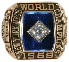 1969 New York Mets Nolan Ryan World Series ring New York Mets Baseball, Baseball First, New York Giants, My Mets, New York Yankees, Nba, World Series Rings, Lets Go Mets, Baseball Helmet