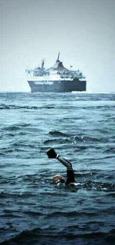 Extreme Swimmer Sean Conway is back on Sponsume to complete the first ever length of Britain swim:  www.sponsume.com/project/help-sean-conway-complete-swimming-britain #swimming #crowdfunding #extremesports