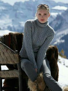 Come vestirsi sulla neve – no time for style Ski Fashion, Knitwear Fashion, Fashion Mode, Look Fashion, Modern Fashion, Wander Outfits, Winter Wear, Autumn Winter Fashion, Apres Ski Party