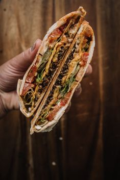 Crunch Wrap, Snack Recipes, Cooking Recipes, Seitan, I Love Food, Salsa, Tacos, Lunch, Baking