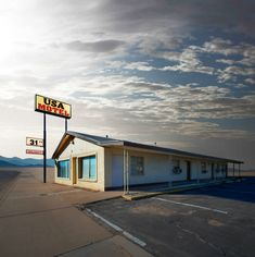 ©Ed Freeman Ugly-beautiful. Simplicity, lovely composition