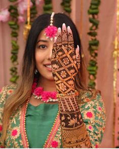 Mehndi is used for decorating hands of women during their marriage, Teej, Karva Chauth. Here are latest mehndi designs that are trending in the world. Indian Mehndi Designs, Latest Bridal Mehndi Designs, Modern Mehndi Designs, Mehndi Designs For Girls, Mehndi Design Photos, Wedding Mehndi Designs, Beautiful Mehndi Design, Mehandi Designs, Heena Design