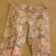 BDG xs stretch pants Worn with no signs of damage Pants