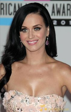 Katy Perry should go back to this and drop the blue/pink/purple hair