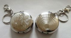 2 x KEY RING / CHAIN PORTABLE CIGARETTE PATTERNED ASHTRAYS - One of each Design