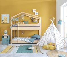 Tentes, cabanes et tipis // Hellø Blogzine blog deco & lifestyle www.hello-hello.fr Pantone, Kids Bedside Table, Bedroom Green, Industrial Style, Kids Bedroom, Safari, Toddler Bed, Nursery, Children