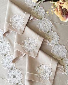 Crochet Stitches Patterns, Doily Patterns, Crochet Designs, Knitting Patterns, Crochet Diagram, Crochet Motif, Crochet Doilies, Designer Bed Sheets, Luxury Bed Sheets
