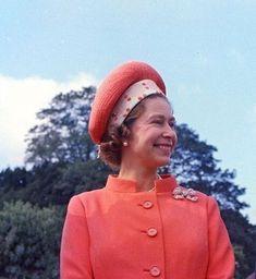 crownedlegend - Her Majesty Hm The Queen, Royal Queen, Her Majesty The Queen, Save The Queen, Queen Mary, Queen B, Young Queen Elizabeth, Elizabeth Philip, Princess Elizabeth