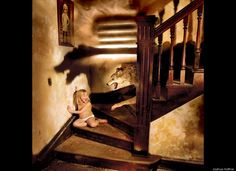 Joshua Hoffine horror photo, worked with his daughters on a series of photographs depicting common childhood fears. Macabre Photography, Horror Photography, Photography Kids, Colour Photography, Fantasy Photography, Joshua Hoffine, Childhood Fears, Horror Photos, Scary Photos
