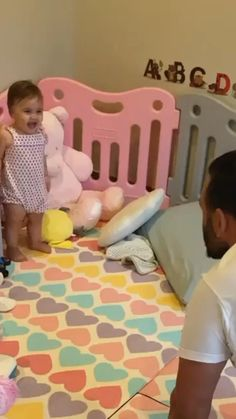 Funny Videos For Kids, Cute Baby Videos, Cute Funny Babies, Cute Kids, Cute Baby Pictures, Cute Photos, Funny Baby Memes, Cute Stories, Newborn Baby Photography