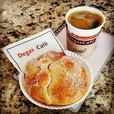 Disfrute su suave y dulce pan de muerto acompañado del Espresso Americano Gourmet ☕