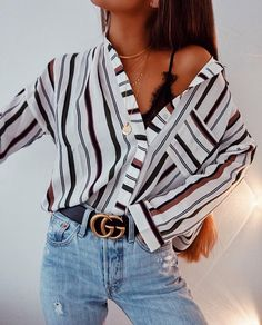 Love vertical stripes. Vertical stripes are great for a petite frame. #jeansfashion #stripes #jeans