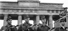 Berlin Wall 1961 | Berlin, August 13, 1961. East German soldiers guard the Brandenburg ...