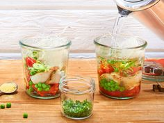 Unser beliebtes Rezept für 5-Minuten-Terrine fürs Büro und mehr als 55.000 weitere kostenlose Rezepte auf LECKER.de.