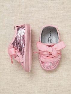 Pinky shoe