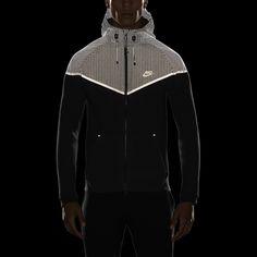 Nike Windrunner Tech 3mm Men's Jacket. Nike Store