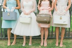 THIS 1950s bridemaids look is on point!