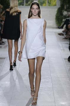 Balenciaga RTW Spring 2014 - Slideshow - Runway, Fashion Week, Reviews and Slideshows - WWD.com