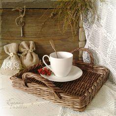 """Купить Поднос плетеный """"Про любовь"""" - поднос плетеный, маленький подносик, деревенский, коричнеый, темный"""