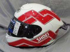 Shoei Helmets, Arai Helmets, Custom Motorcycle Helmets, Yamaha Motorcycles, Helmet Design, Super Bikes, Car Wheels, Motorbikes, Happiness