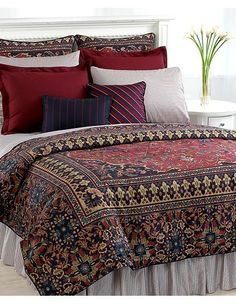 Here's a good view of how beautiful this comforter is~it's the prettiest bedding I have ever owned~Ralph Lauren knows how to make a bed, no doubt!