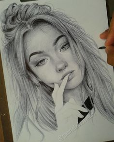 Artist Uses As A Tool Only A Ballpoint Pen To Capture The Emotions Of The People And The Result Is Amazing drawings sketches Brazilian Artist Draws Portraits With Only A Ballpoint Pen That Look Extremely Realistic Girl Drawing Sketches, Portrait Sketches, Art Drawings Sketches Simple, Pencil Art Drawings, Realistic Drawings, Easy Drawings, Drawing Tips, Hipster Drawings, Drawing Portraits