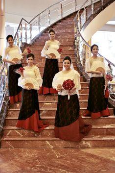 Posts about filipiniana wedding written by donnaangelasoliva Modern Filipiniana Gown, Filipiniana Wedding Theme, Wedding Gowns, Wedding 2017, Philippines Dress, Filipino Wedding, Filipino Fashion, Wedding Entourage, Fiesta Outfit