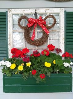 Easy Minnie Mouse large grapevine wreath, 2 small ones and some red and white polka dot ribbon! Christmas Wreaths, Christmas Decorations, Christmas Ornaments, Spring Decorations, Christmas Stuff, Mickey Wreath, Pallet Wood Christmas Tree, Disney Garden, Disney Rooms