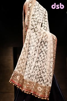 Manish Malhotra SS 2013 WIFW Mijwan Sonnets in Fabric runway show music Indian Suits, Indian Attire, Indian Wear, Punjabi Suits, Pakistani Dresses, Indian Dresses, Women's Dresses, Ethnic Fashion, Asian Fashion