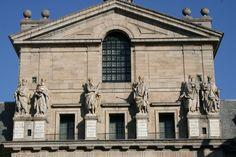 Escorial,  Patio de los Reyes, donde hallamos las estatuas de seis monarcas del Antiguo Testamento, esculpidas por JUAN BAUTISTA MONEGRO.
