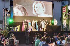 """Steirischer """"sience slam"""" am Mariahilferplatz Graz  Unterhaltung auf wissenschaftlichem Niveau 29. Juni 2016 Während eines fußballfreien Tages verwandelt sich die EM-Public-Viewing-Area am #Mariahilferplatz zur Bühne des steirischen #sience #slam. Bei diesem Event haben nominierte Kandidaten und Kandidatinnen 6 Minuten Zeit, ihre eigene Forschung so verständlich wie möglich zu präsentieren. #Steirisch #sienceslam #MariahilferplatzGraz #Mariahilferplatz"""
