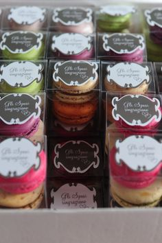 gift boxes for wedding with macaron, segnaposto