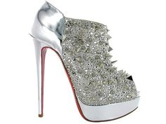 Imagian how many stares you would get in these, i can not imagine walking in those! Can you???