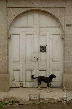 el Negro: Doors, Quetzaltenango, Guatemala