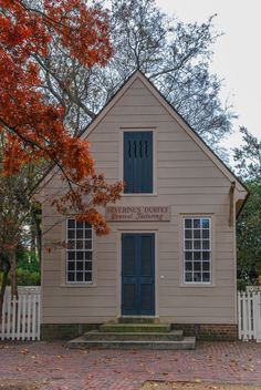 Colonial Williamsburg, Virginia, photo by Mike Keenan, Read articles at www.whattravelwiterssay.com Williamsburg Virginia, Colonial Williamsburg, Articles, Cabin, House Styles, Outdoor Decor, Home Decor, Decoration Home, Room Decor