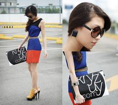 Ah statement earrings and an oversized clutch. What is it with slightly-too-big accessories that fascinates me so?