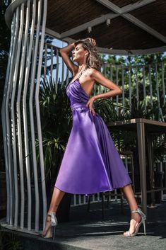 Disponibila deja pe www. Fashion Photography, Classy, Formal Dresses, Summer, Tea Length Formal Dresses, Summer Time, Formal Gowns, Summer Recipes, Black Tie Dresses