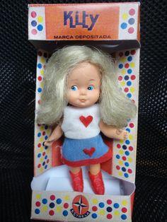 boneca kitty da estrela na caixa roupa e spatos originais