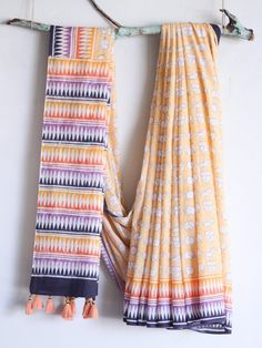 These Cotton Sarees - The Most Beautiful Attire, A timeless Fashion which Refuses to Retire. Cotton Suit, Cotton Saree, Block Print Saree, Block Prints, Formal Saree, Hijab Style Tutorial, Tie Dye Crafts, Fashion Hub, Indian Fashion