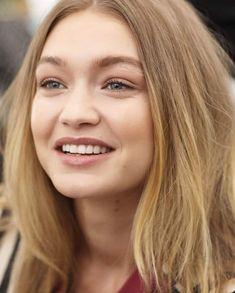 Girl Crush, model, and gigi hadid image Brunette Beauty, Hair Beauty, Gigi Hadid Images, Top Supermodels, Gigi Hadidi, Gigi Hadid Outfits, Woman Smile, Famous Models, Celebs