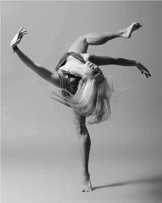 Kérastase Discipline: Die erste Pflege für Disziplin mit Bewegung – wie eine Choreographie fürs Haar. #Discipline #SmoothInMotion