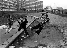 West Belfast - Christopher Steele-Perkins - 1978 Magnum Photos, Documentary Photographers, Famous Photographers, Elliott Erwitt Photography, Henri Cartier Bresson, Photographer Portfolio, Lewis Carroll, The New Yorker, Belfast