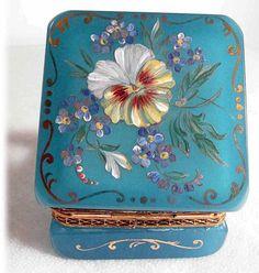 19C Beautiful Hand Painted Opaline Casket