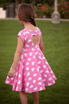 November Pattern of the month- Isla's Infinity Top & Dress - The Simple Life Source by SLPco Dresses Cotton Frocks For Kids, Frocks For Girls, Little Girl Dresses, Cute Baby Dresses, Frock Patterns, Baby Girl Dress Patterns, Coat Patterns, Blouse Patterns, Clothes Patterns