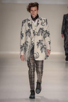 BRASIL F/W 15 | São Paulo Fashion Week | JOÃO PIMENTA | Mix of prints for menswear. João is a master in tailoring.