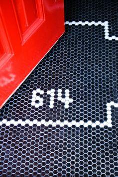honeycomb tile detail in Kathryn Ivey's D.C. entryway