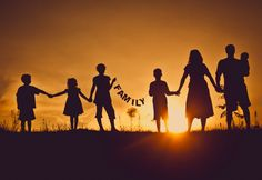 En mi tiempo libre yo salgo con mi familia